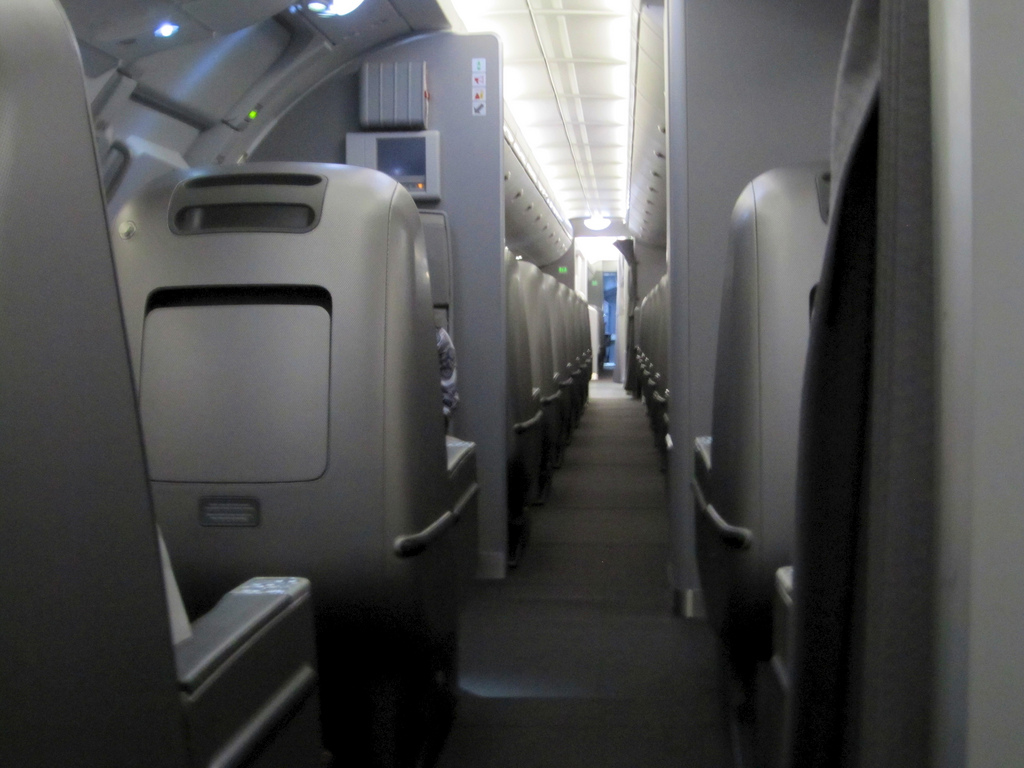 Fancy trying out the 787 using your Qantas points   Point Hacks