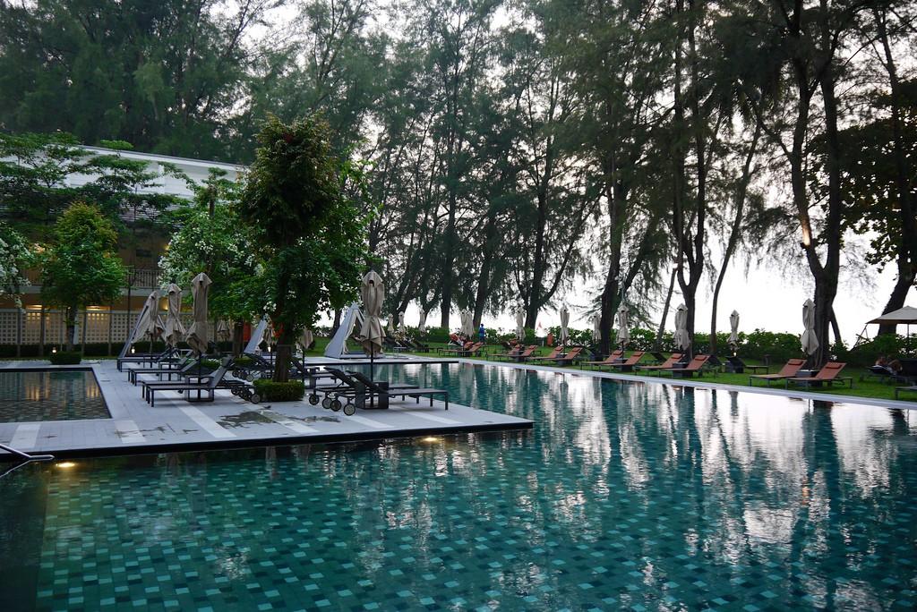 Batu Ferringi Beach Penang - Lone Pine Hotel