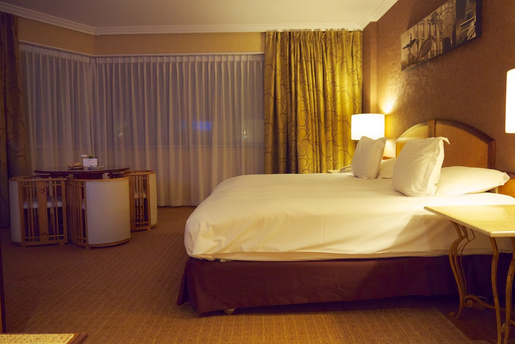 7 Paris Hilton Charles de Gaulle King Junior Suite