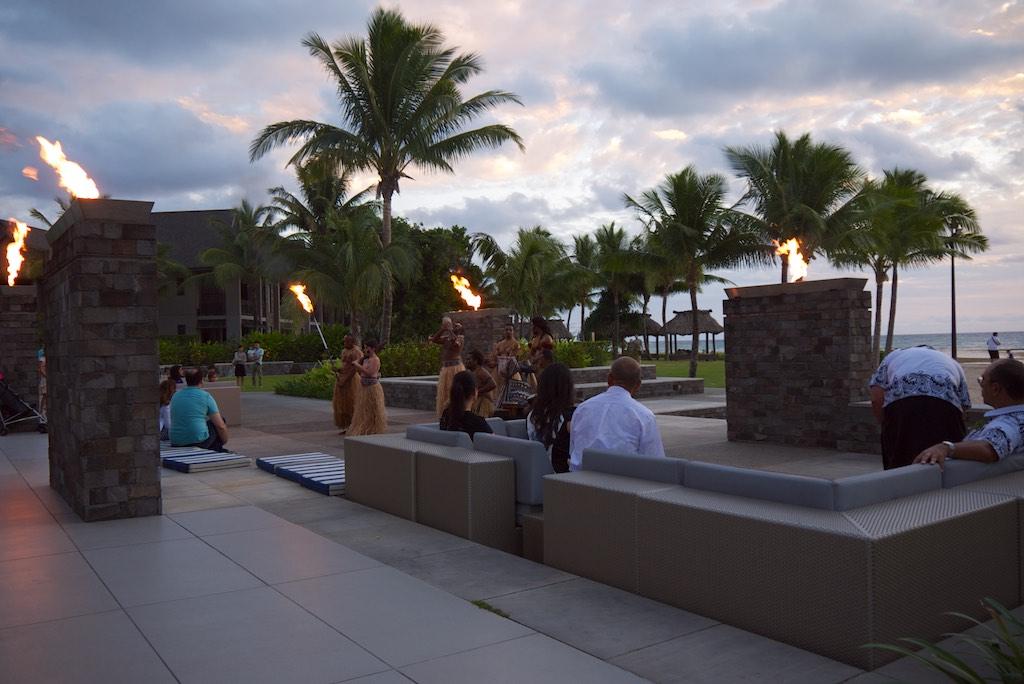 23 InterContinental Fiji Evening Show   Point Hacks
