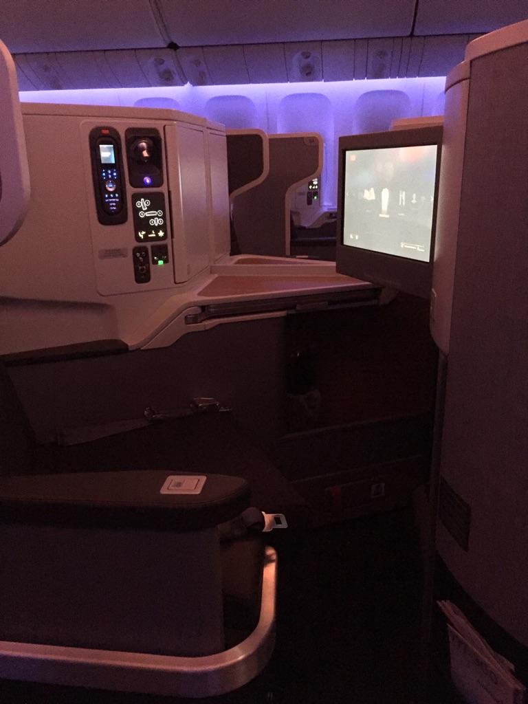 AA 777 300ER  Business Class Seat 3