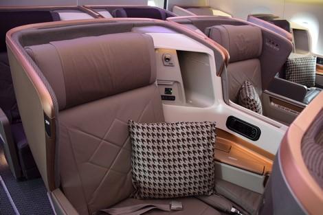 SQ A350 seat