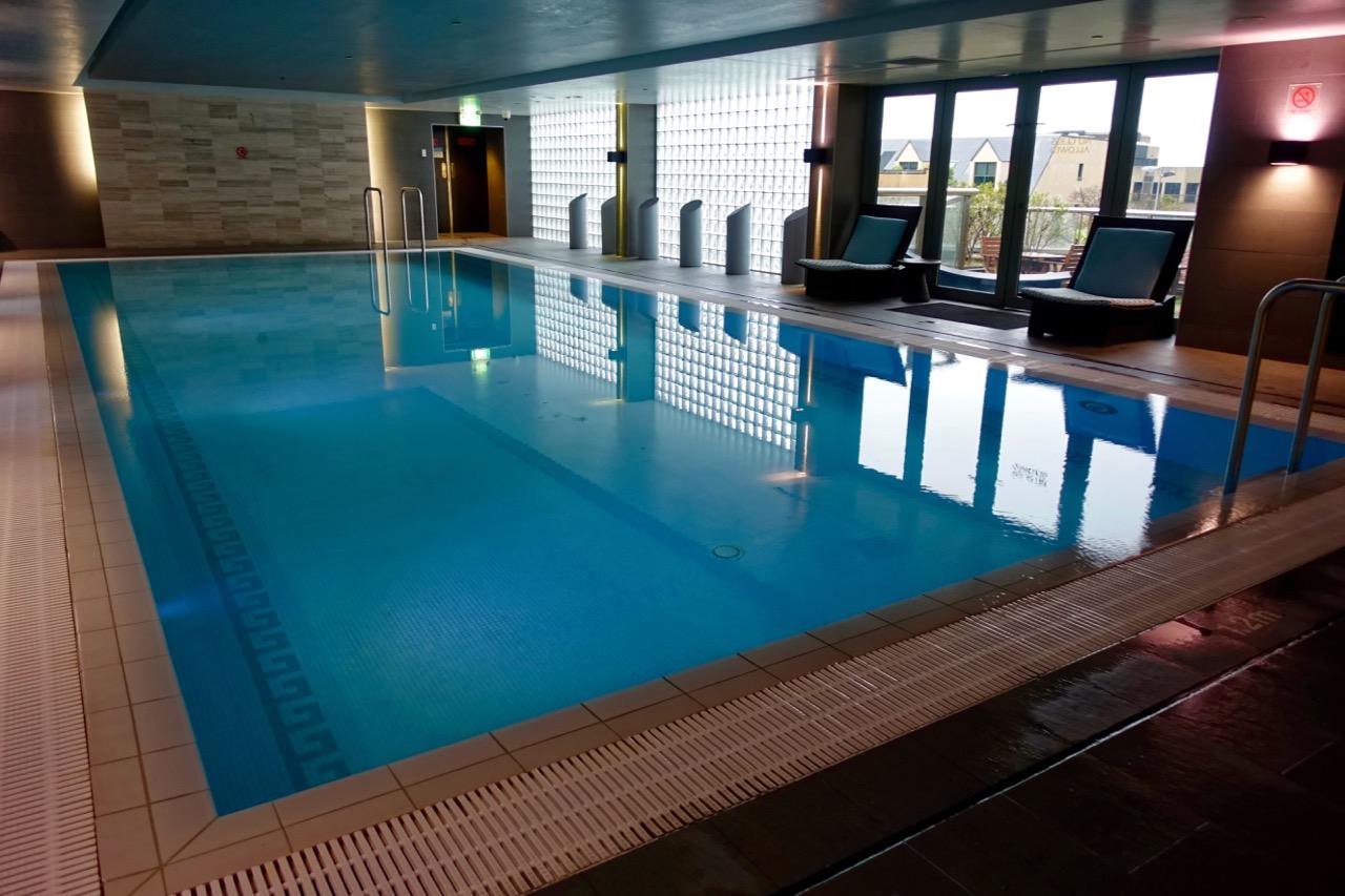 Shangri-La-Sydney-Pool-1 | Point Hacks