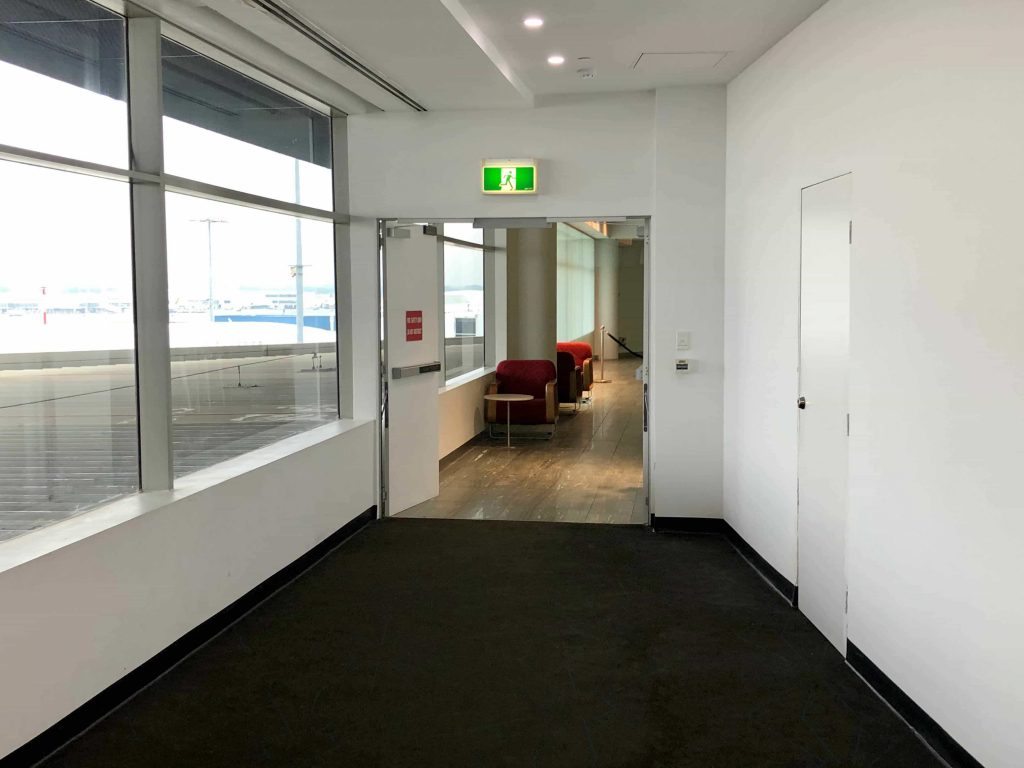 Qantas International Business Lounge Sydney walkway