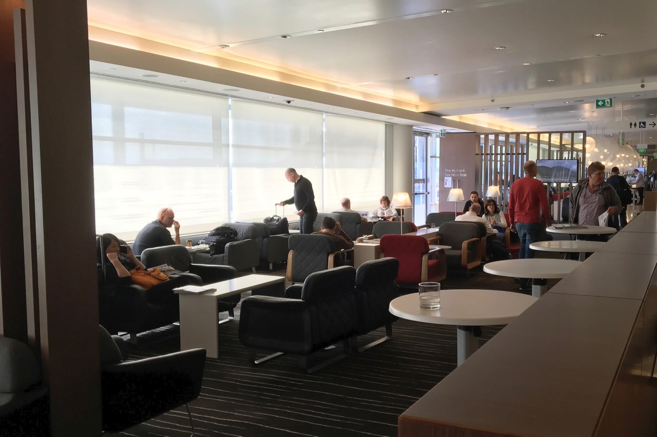qantas-international-business-lounge-sydney-seating