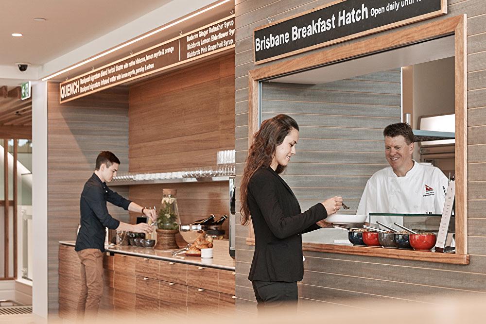 qantas-bne-lounge-breakfast