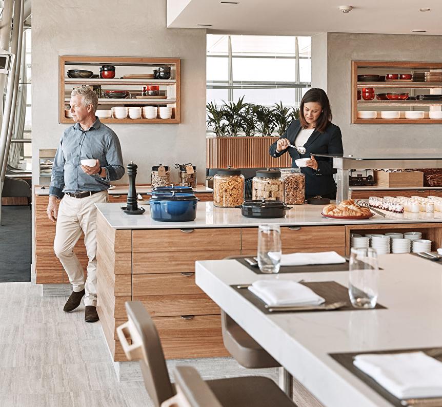 qantas-bne-lounge-food