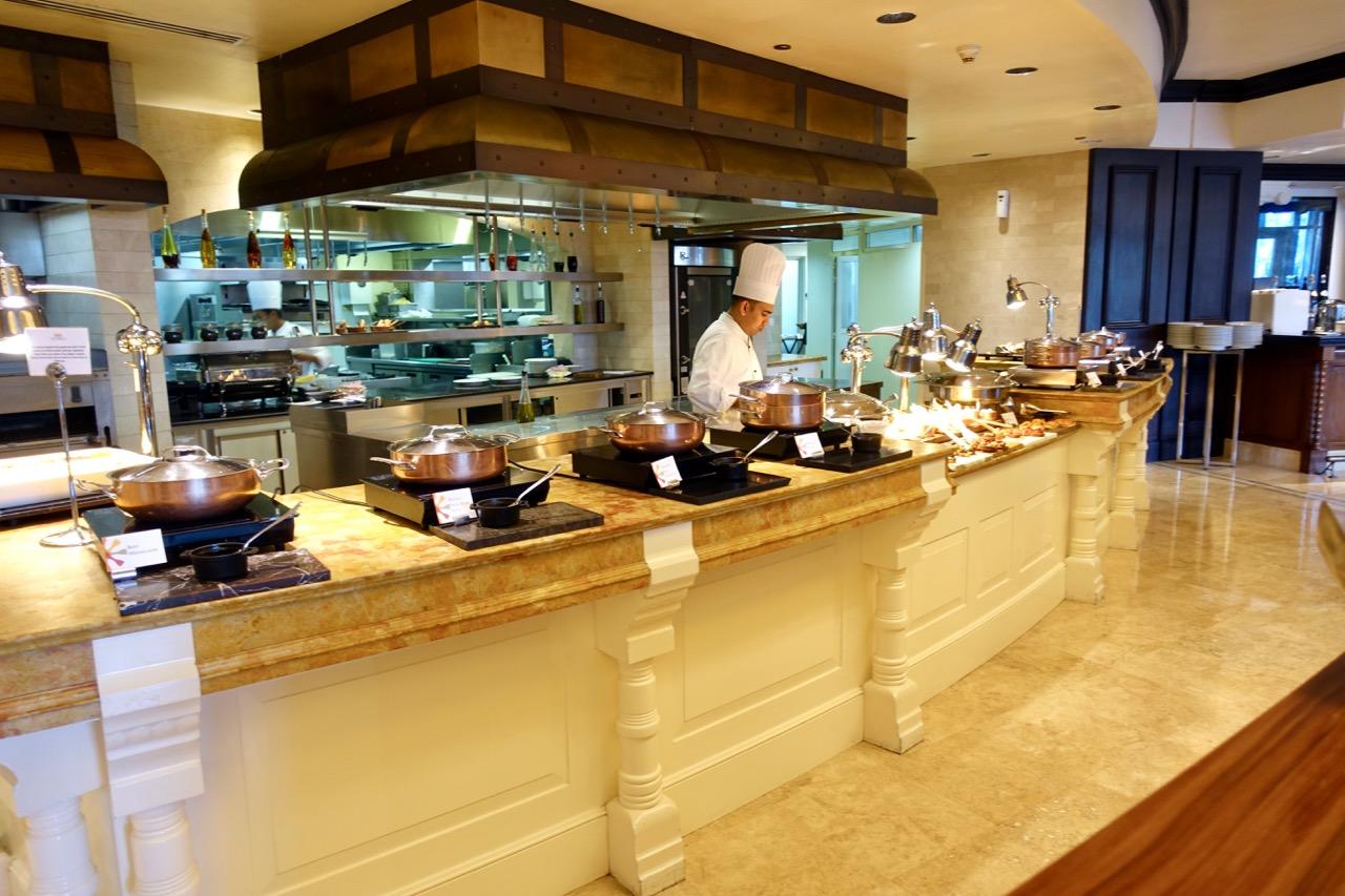 The St. Regis Abu Dhabi Buffet | Point Hacks