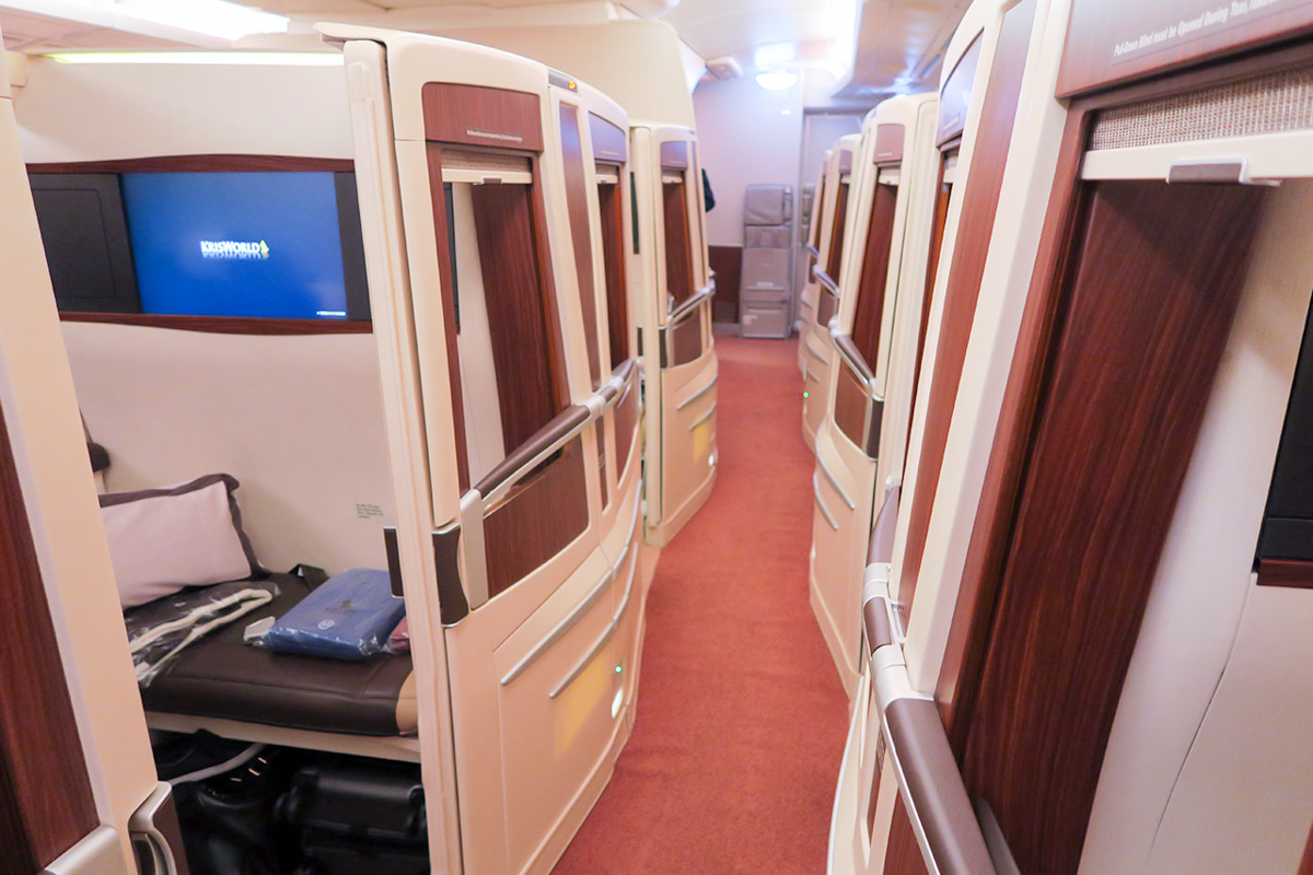 Singapore Airlines A380 old First Class Suite overview | Point Hacks