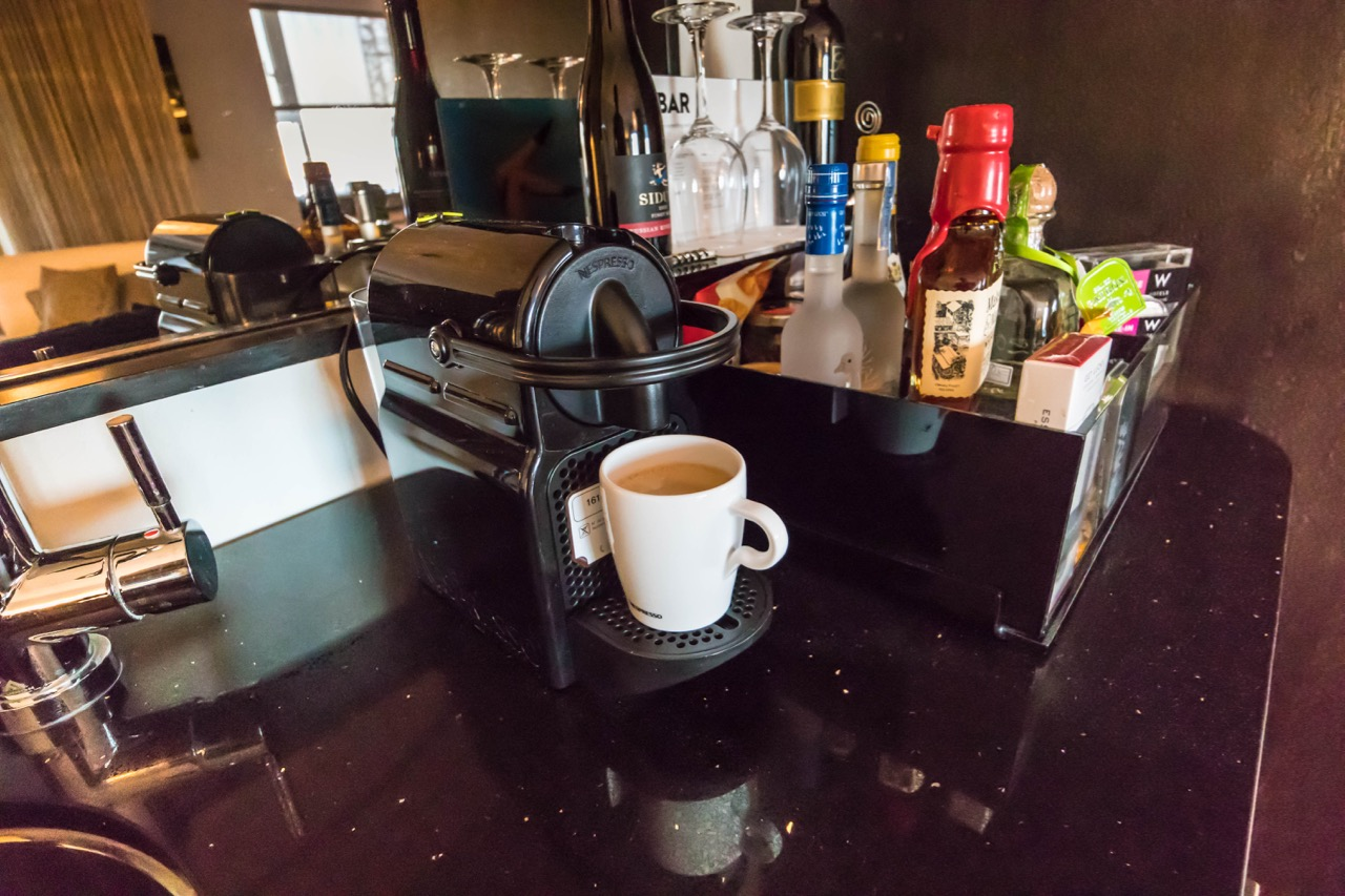 W Hotel Hollywood Marvellous Suite coffe area