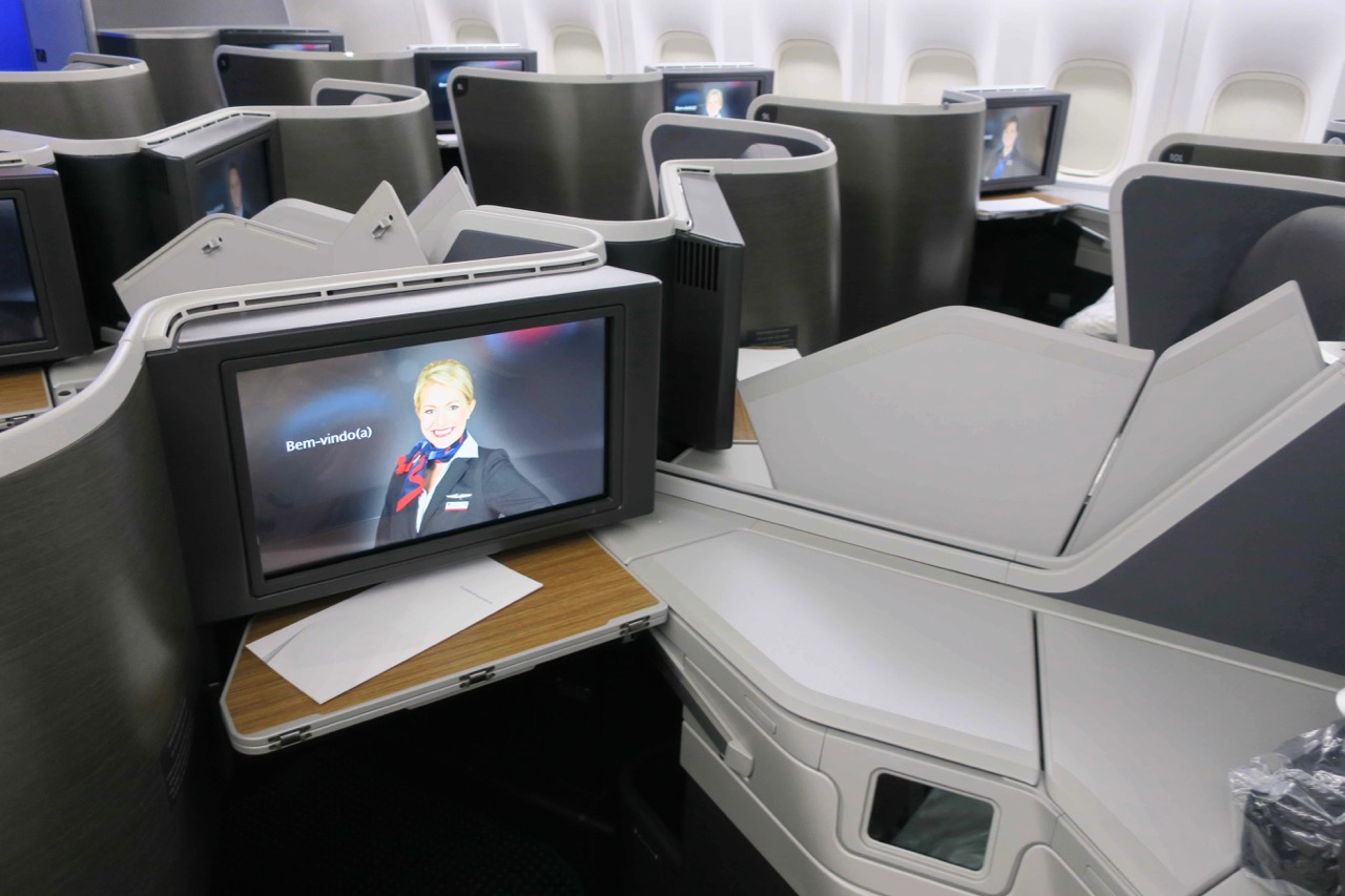 American Airlines 772 Business Class inflight entertainment