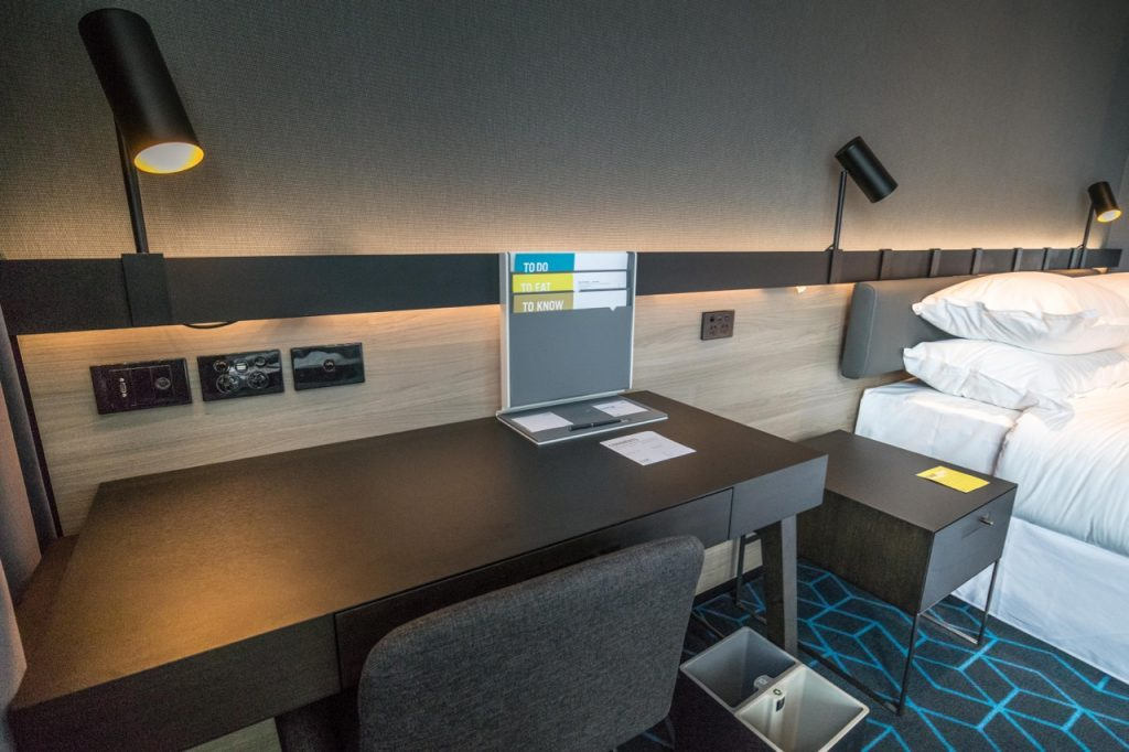 Four Points Melbourne Docklands Deluxe Harbour View Room work desk