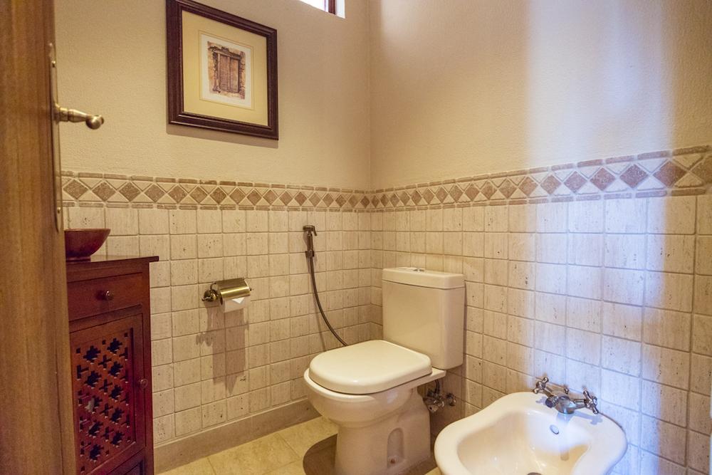Al Maha, a Luxury Collection Desert Resort & Spa, Dubai - The Bedouin Suite toilet