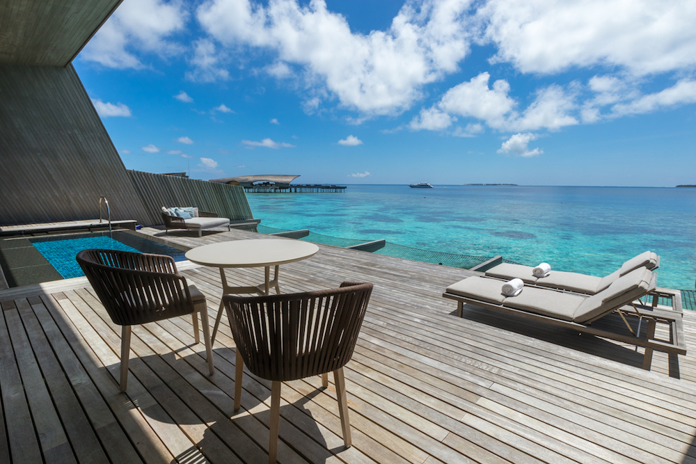 The St. Regis Maldives Vommuli Resort - Overwater Villa private plunge pool