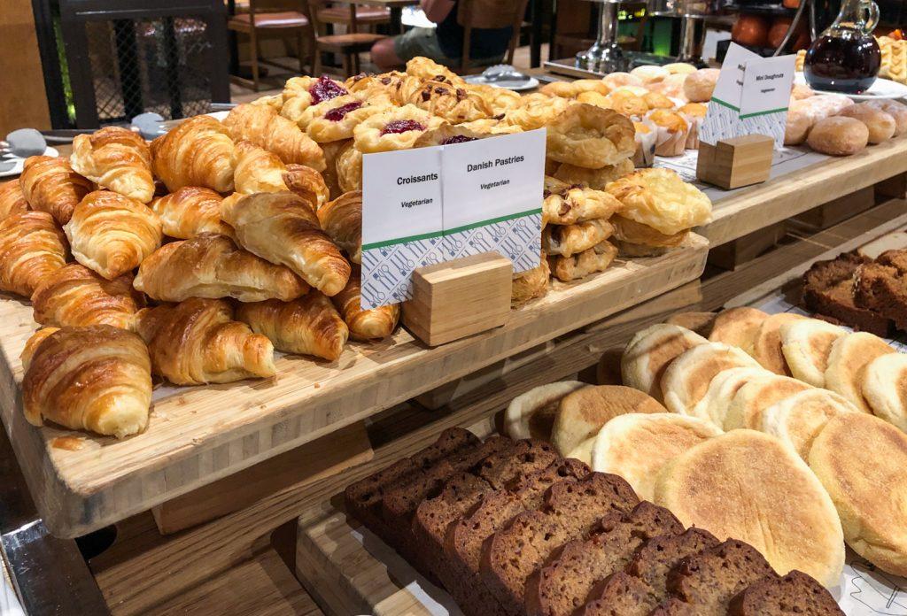 DoubleTree Hilton Melbourne breakfast bread