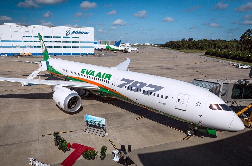 EVA Air 787 exterior