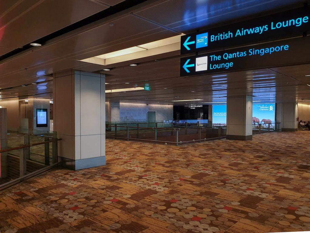 Qantas Singapore Lounge direction