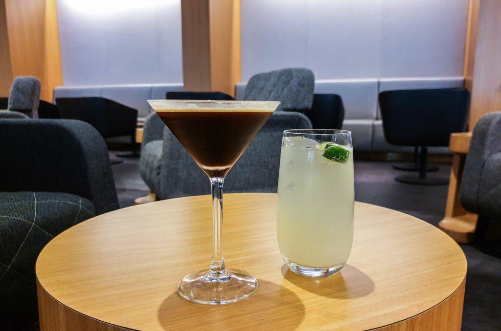 Qantas Singapore Lounge drinks