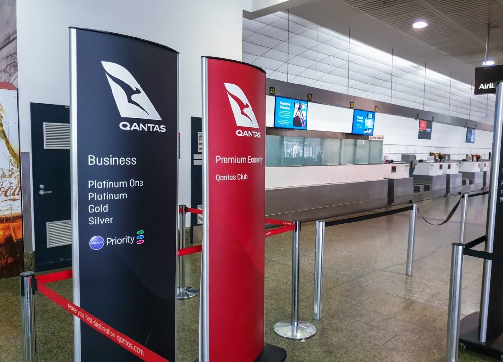 Melbourne airport Qantas Check in counters