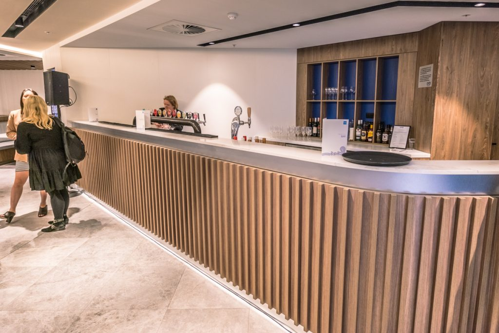 New American Express Lounge Sydney bar