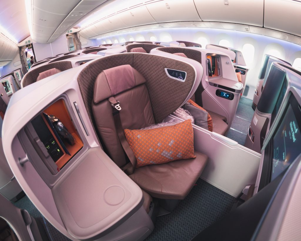 Singapore Airlines 787-10 Business Clas seat