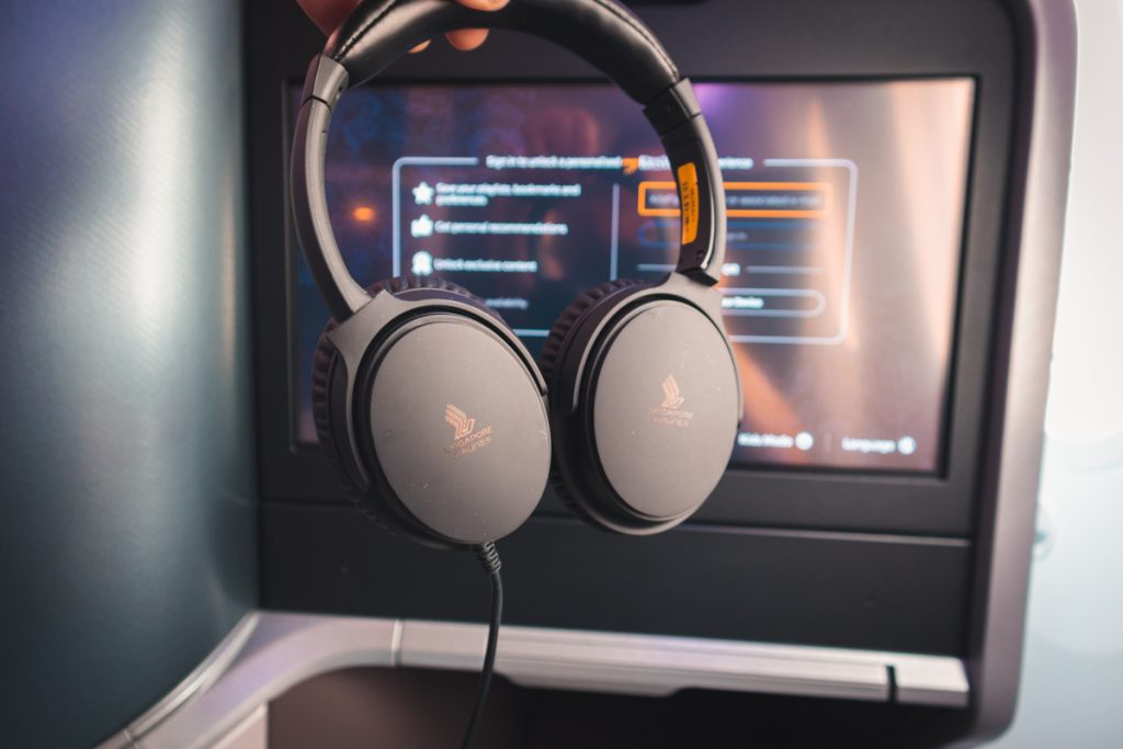 Singapore Airlines 787-10 Business Class headphone