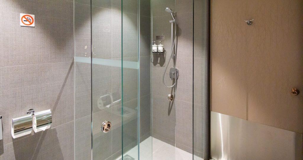 The Blossom Lounge Changi shower