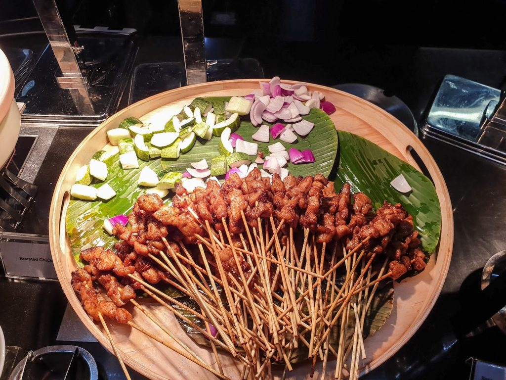 Crowne Plaza Changi Airport Azur satay