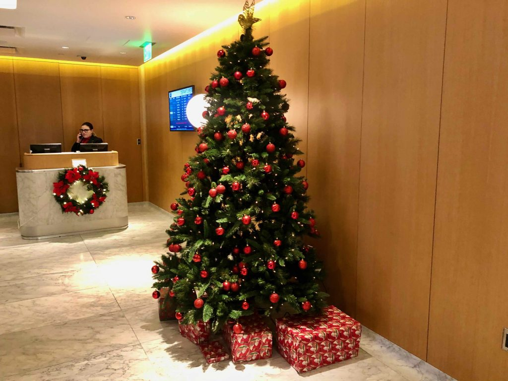 Qantas International First Lounge LAX Christmas tree